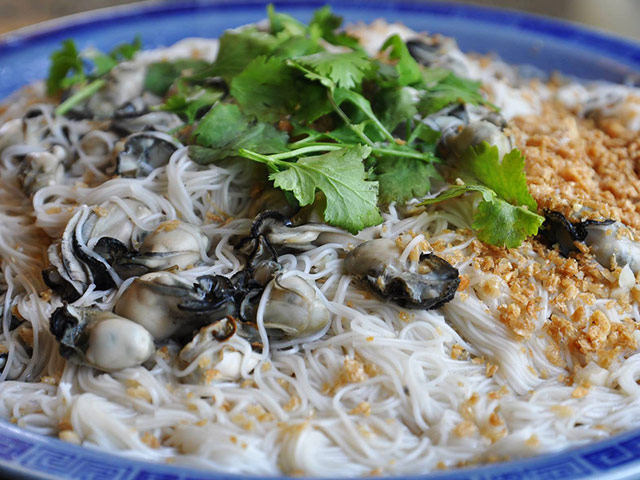 Salt-country oyster vermicelli